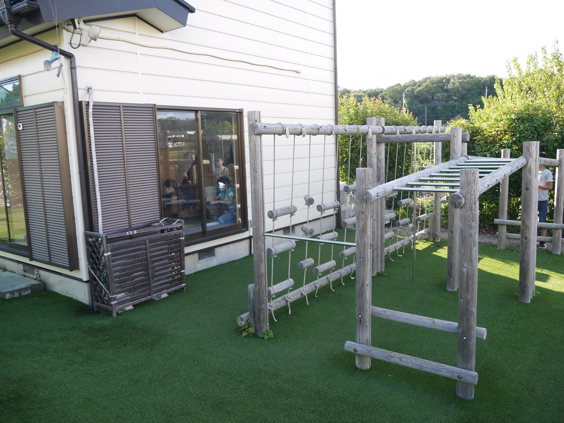 園庭を活用した運動療育を行っています♪